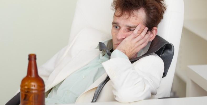 Pourquoi l'alcool provoque de la fatigue ?