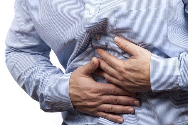 Que faire contre le mal de ventre dû à l'alcool ?