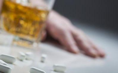 Alcool et paracétamol : un mélange dangereux contre la gueule de bois